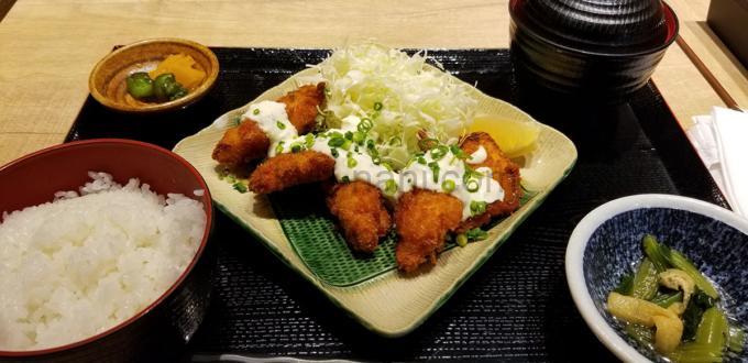 魚盛のランチ(チキン南蛮膳)