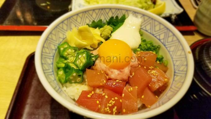 魚盛のランチ(漬けまぐろとネギトロの山かけ丼)