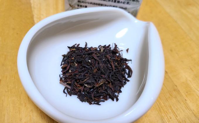 ルピシアの紅茶(ダージリン)「シンブーリ」の茶葉の写真