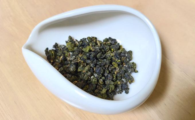 阿里山烏龍 花香(アリサンウーロン ハナコウ) 春摘みの茶葉の写真