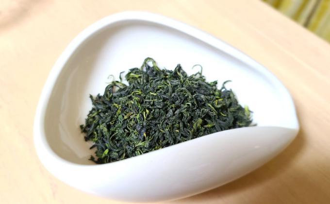 五ヶ瀬釜炒り新茶の茶葉