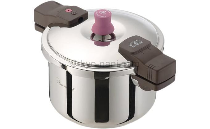 ワンダーシェフの圧力鍋「あなたと私の圧力魔法鍋5.5L」の写真